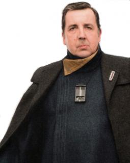 Crev Bombassa - gangster z Korelii, która był znaną i popularną postać w starym kanonie. Pojawia się w początkowych sekwencjach na Korelii. W Legendach występował w książkach, a powstał w grze RPG z 1995 roku