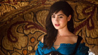 Lily Collins jako Shae