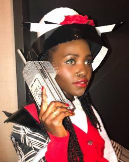 """Lupita Nyong'o jako Dionne z filmu """"Słodkie zmartwienia"""""""