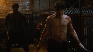 15. Oblężenie Dreadfort (s04e06) - Yara Greyjoy postanowiła odbić Theona z rąk Ramsaya Boltona. Sceny poprzedzające atak świetnie budowały napięcie i dawały nam nadzieję na to, że skończy się poniżanie i maltretowanie Theona przez jego oprawcę. Niestety, brat Yary nie był już sobą i wcale nie chciał ratunku. Kilku ludzi niepotrzebnie straciło życie.