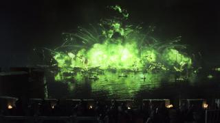 4. Bitwa nad Czarnym Nurtem (s02e09) - nocne starcie rozpoczyna się od widowiskowego rozwalenia floty, by potem przejść do ataku na mury i walki pod nim pomiędzy wojakami. Okazuje się, że bitwa w nocy może być nakręcona efektownie, z odpowiednim rozmachem i tak, że pole starcia jest widoczne. Jest klimat i są emocje.
