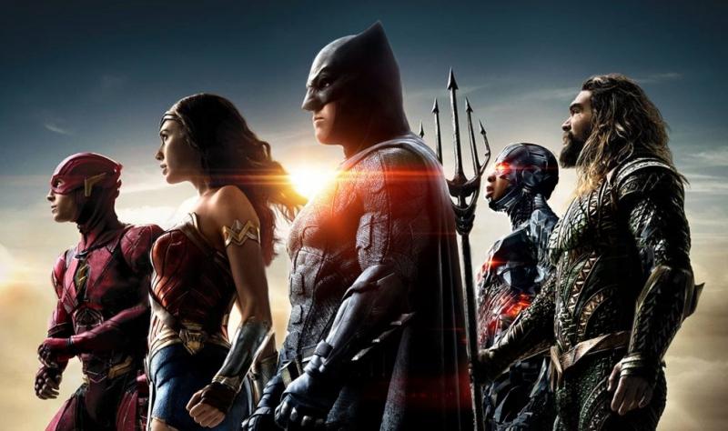 Snyder Cut - samolot lata nad siedzibą Warner Bros. Wielkie podziękowania fanów