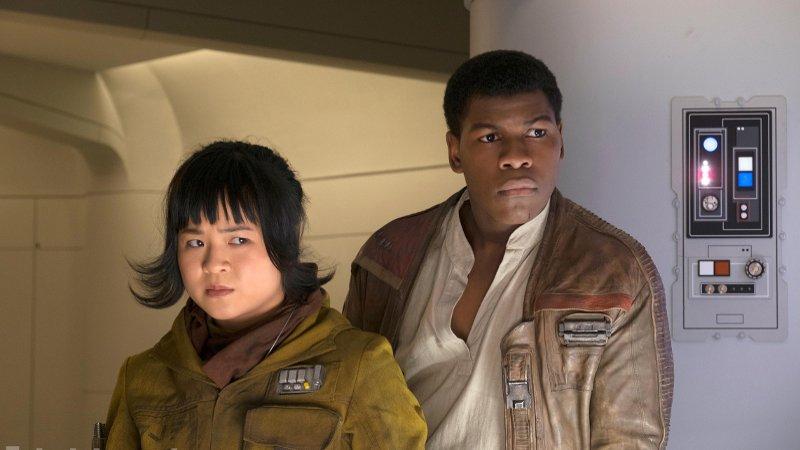 Star Wars - John Boyega rozmawiał z szefową Lucasfilm na temat swoich skarg dotyczących kwestii rasowych w uniwersum