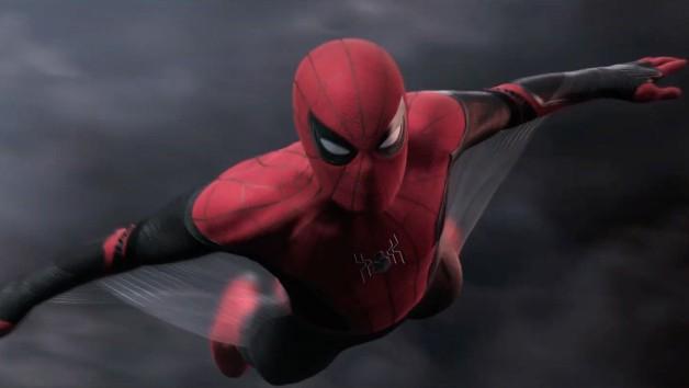 Spider-Man: Daleko od domu - bohater w nowym stroju na kolejnej grafice