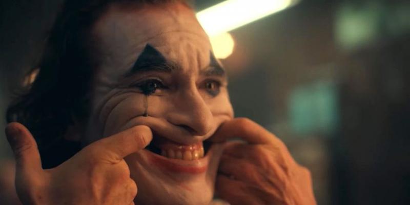 Joker - jak Joaquin Phoenix wypracował śmiech bohatera? Nowy opis fabuły