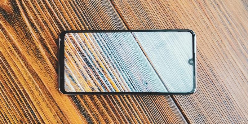 Huawei P30 lite: czy smartfon ze średniej półki sprostał wysokim wymaganiom?
