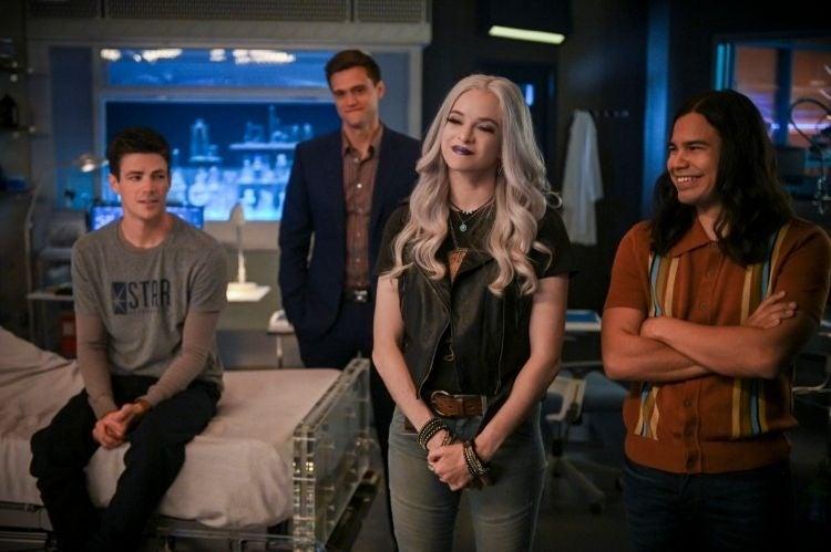 Flash - rozszerzony zwiastun 6. sezonu serialu. Powrót znanych twarzy