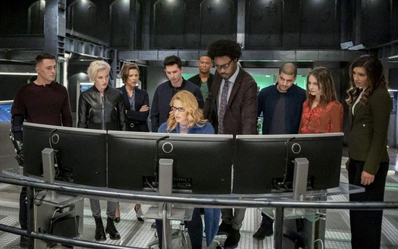 Arrow - zdjęcia z finałowego odcinka serialu. Powracają znani bohaterowie