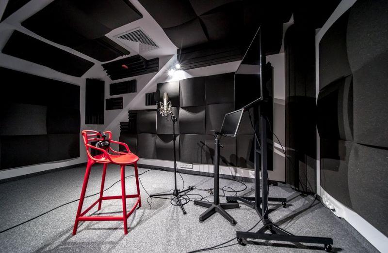 Studio tłumaczeniowe Roboto przejmuje Sound Tropez