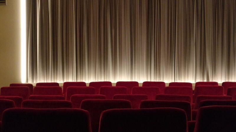 Koronawirus - kina są zamykane w kolejnych krajach. Odwoływane są imprezy filmowe