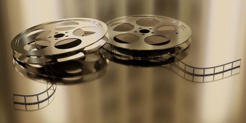 Amerykańskie kina zagrożone bankructwem przez koronawirusa. Partie wciąż nie osiągnęły porozumienia