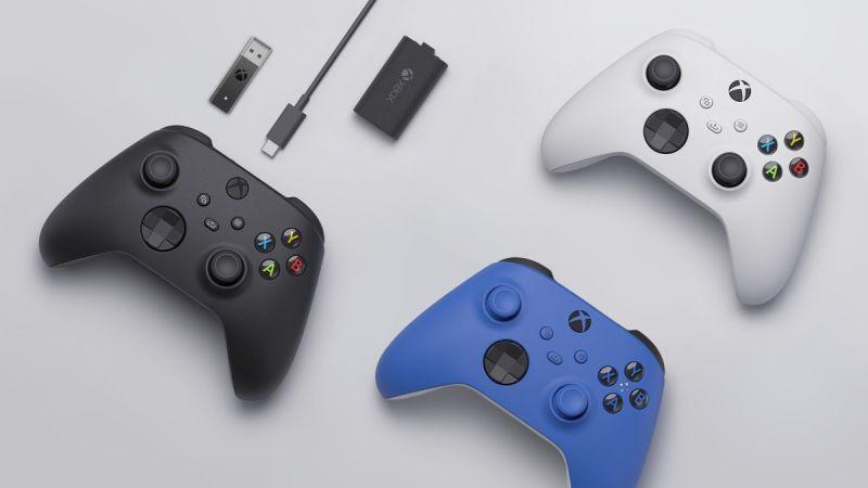 Xbox Series X/S – Microsoft ujawnia pady, które zadebiutują na początku generacji