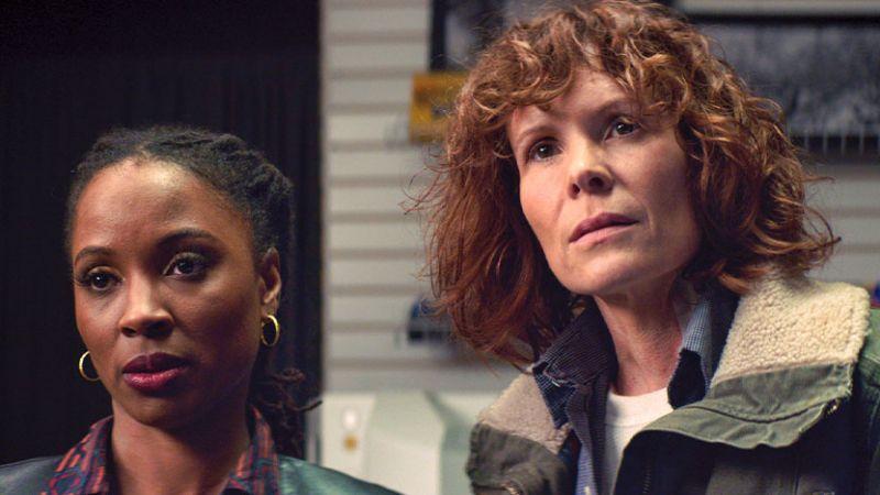 Through the Glass Darkly - thriller psychologiczny z Robyn Lively. Zobaczcie zwiastun