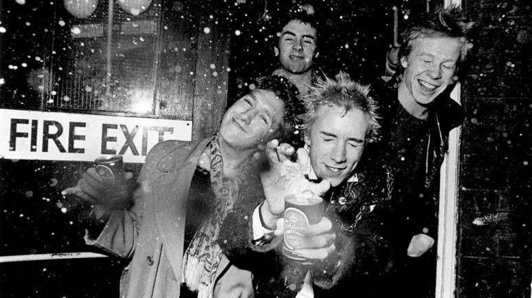 Pistol - pierwsze zdjęcie z serialu o Sex Pistols od Danny'ego Boyle'a