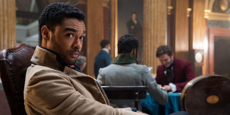 Regé-Jean Page nie zagrał w Kryptonie przez kolor skóry? Aktor tajemniczo odnosi się do plotek