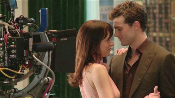 Co się dzieje za kulisami scen miłosnych w filmach i serialach?