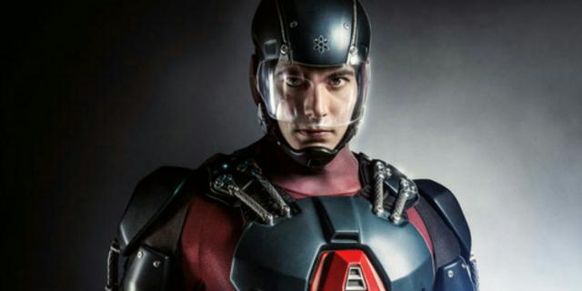 """Brandon Routh z """"Arrow"""" opowiada o swoim bohaterze"""