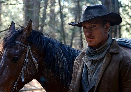 """Obejrzyj zwiastun komediowego westernu """"Slow West"""" z Michaelem Fassbenderem"""