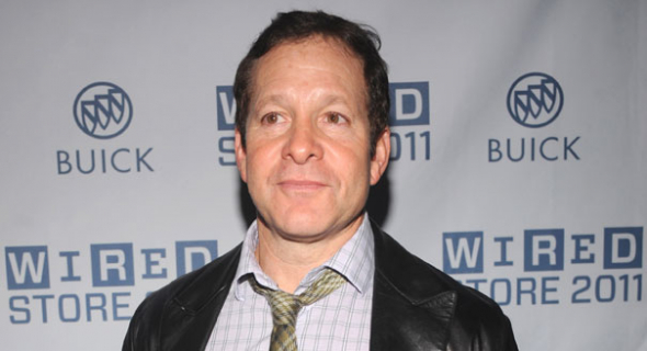 """Steve Guttenberg z """"Akademii policyjnej"""" zagra gościnnie w serialu """"Tajemnice Laury"""""""