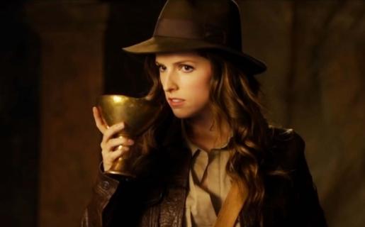 "Urocza Anna Kendrick w parodii filmu ""Indiana Jones i ostatnia krucjata"""
