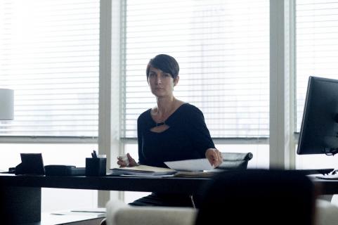 Technologia nas ogłupia – rozmawiamy z Carrie-Anne Moss, gwiazdą serialu Humans