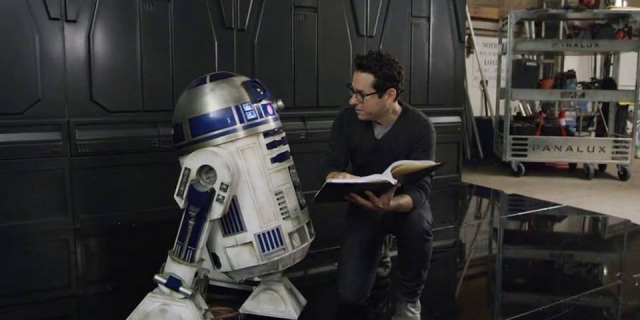 Gwiezdne Wojny: część IX – czy krytyka Ostatniego Jedi wpłynęła na film? Abrams odpowiada
