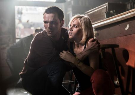 Nicholas Hoult zrobi wszystko dla Felicity Jones w zwiastunie Collide