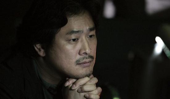 Będzie miniserial na podstawie powieści Mała doboszka. Reżyserem Park Chan-wook