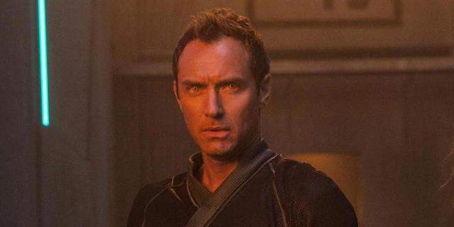 Kapitan Marvel – zabawka ujawnia, kogo gra Jude Law. Jest zaskoczenie