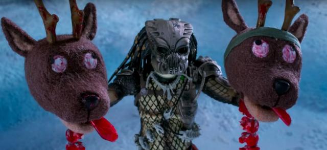 Predator w krwawej wersji świątecznej. Zobacz zabawny klip