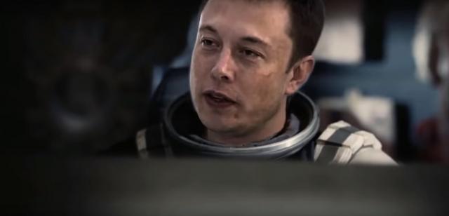 Elon Musk w Interstellar. Zobacz fanowską parodię