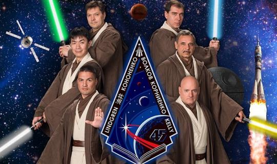 Parodie filmowych plakatów od NASA. Zobacz galerię