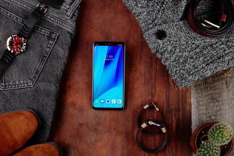 Polski debiut LG V40 ThinQ, smartfona z pięcioma aparatami, sztuczną inteligencją i telewizorem w prezencie