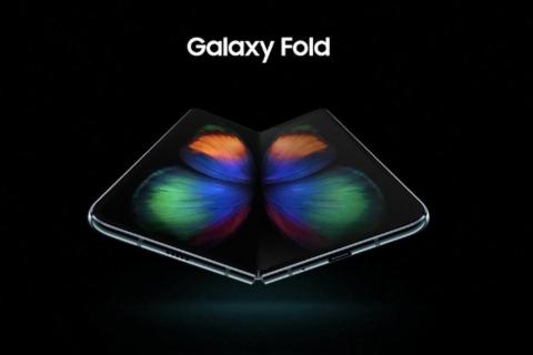 Samsung Galaxy Fold dostępny w sklepach od września