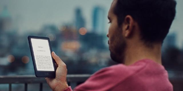 Najprostszy Kindle doczekał się podświetlenia ekranu