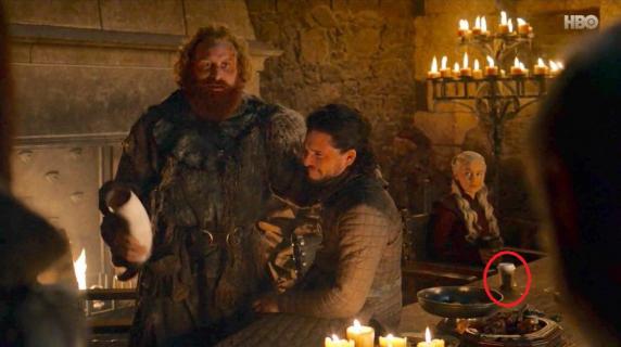 Gra o tron - do kogo należał kubek ze Starbucksa? HBO naprawia błąd