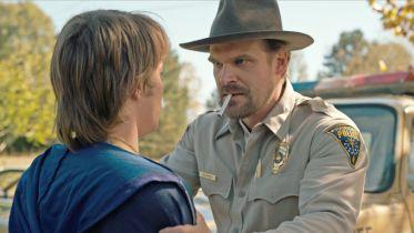 Stranger Things - aktor daje fanom zagadkę. Jej rozwiązanie zdradza los jego postaci?