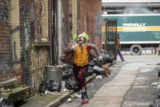 Joker miał być dłuższy. Co z sequelem i w którym uniwersum rozgrywa się akcja?