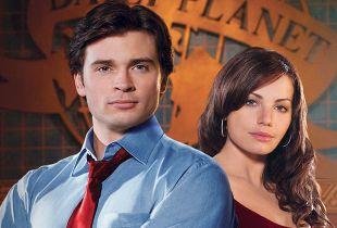 Tom Welling i Erica Durance na planie crossvera Arrowverse