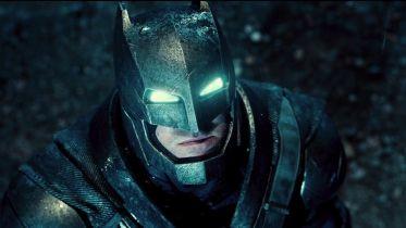 Batman w zbroi Godzilli. Zobacz świetną figurkę