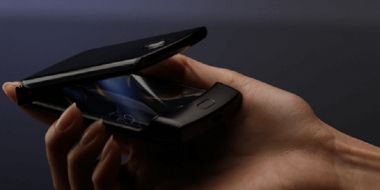 Motorola wypuściła piękny składany telefon