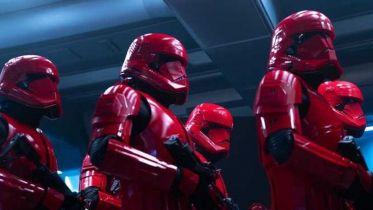 Gwiezdne Wojny: Skywalker. Odrodzenie - Lando ma dziecko? Szturmowcy Sithów mają związek z KOTOR