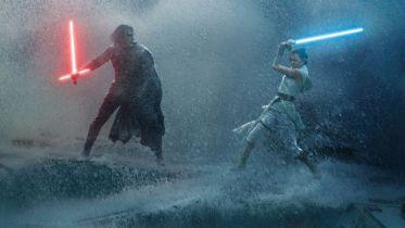 Star Wars 9: czym jest nowa Moc łącząca Rey i Kylo Rena i w jaki sposób poświęciła się Leia?