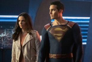 Superman & Lois - zdjęcie z planu serialu daje pierwsze spojrzenie na synów tytułowej pary