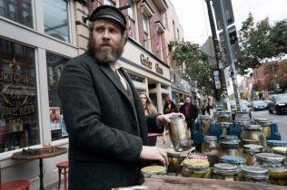 An American Pickle - zwiastun filmu HBO Max. Seth Rogen w podwójnej roli