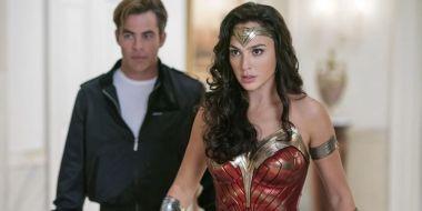 Wonder Woman 1984 - wysoki spadek w kinach USA. Opóźnienie premiery w Polsce