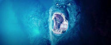 Godzilla kontra Kong - plakaty nie pozostawiają wątpliwości. Broń Konga w pełnej okazałości