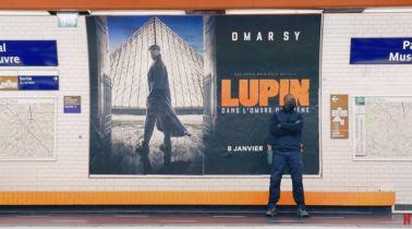 Lupin - odtwórca głównej roli osobiście reklamuje serial w paryskim metrze