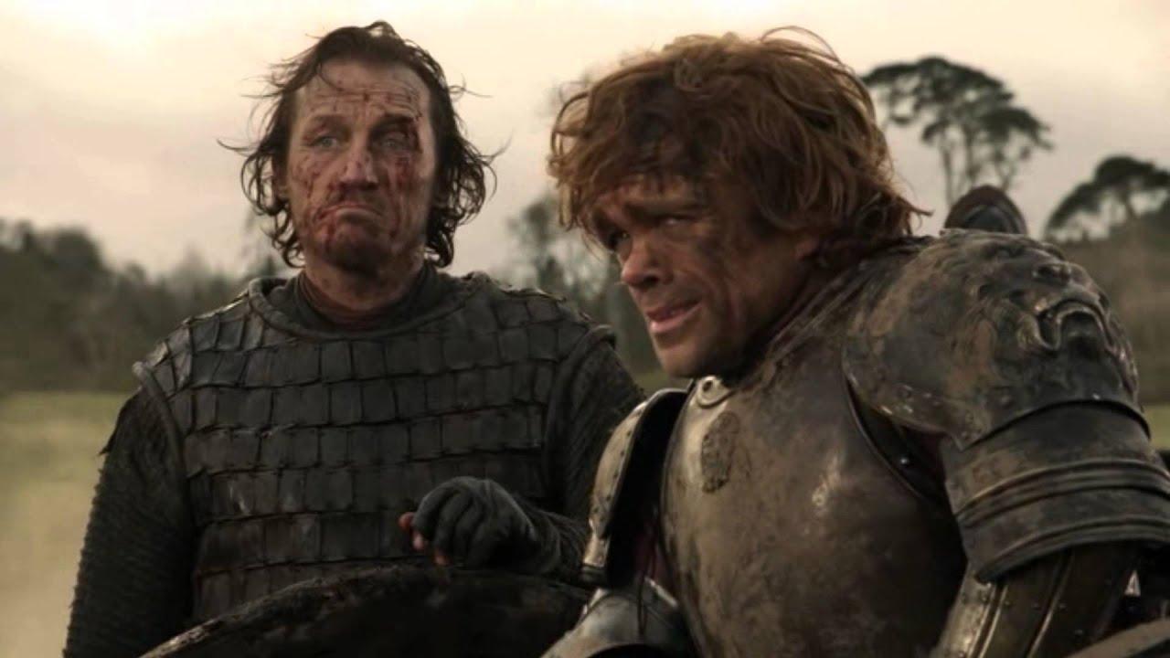 16. Bitwa nad Zielonymi Widłami (s01e09) - cóż to była za bitwa! No właśnie nie do końca wiadomo, ponieważ śledzimy ją z perspektywy Tyriona, który już na samym początku traci przytomność, uderzony młotem jednego ze swoich barbarzyńskich żołdaków. Bitwa miała miejsce w pierwszej serii, a Lannisterowie zostali zmieceni przez armię Robba Starka. Z wiadomych względów segment bitewny nie miał takiego rozmachu, jak późniejsze starcia, ale dało się wyczuć atmosferę przygotowań i napięcia, które towarzyszyło wojownikom stającym do walki.